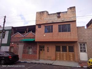 Casa En Ventaen Bogota, Santa Lucia, Colombia, CO RAH: 21-2015