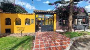 Casa En Ventaen Bogota, Mandalay, Colombia, CO RAH: 21-2016