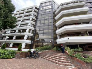 Apartamento En Arriendoen Bogota, Santa Barbara Central, Colombia, CO RAH: 21-2017