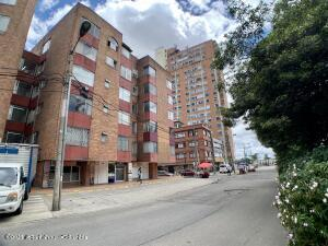 Apartamento En Arriendoen Bogota, Quinta Paredes, Colombia, CO RAH: 21-2018