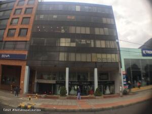 Local Comercial En Ventaen Bogota, Santa Barbara Occidental, Colombia, CO RAH: 21-2020