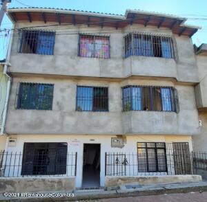 Casa En Ventaen Yumbo, Vereda Yumbo, Colombia, CO RAH: 21-2027