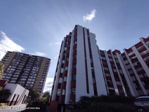 Apartamento En Ventaen Bogota, Country Club, Colombia, CO RAH: 21-2025
