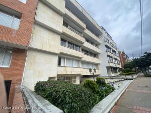 Apartamento En Arriendoen Bogota, Chico Norte, Colombia, CO RAH: 21-2037