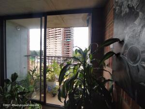 Apartamento En Ventaen Rio Negro, Sector Tranvia, Colombia, CO RAH: 21-2019