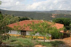 Casa En Ventaen Piedecuesta, Vereda Las Llanadas, Colombia, CO RAH: 21-2047