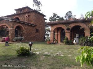 Casa En Ventaen Piedecuesta, Los Cacaos, Colombia, CO RAH: 21-2050