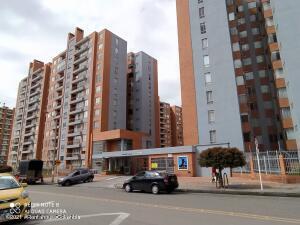 Apartamento En Ventaen Bogota, Colina Campestre, Colombia, CO RAH: 21-2061