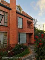 Casa En Ventaen Bogota, Portales Del Norte, Colombia, CO RAH: 21-2063