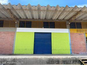 Bodega En Ventaen Cucuta, Cenabastos, Colombia, CO RAH: 21-2085