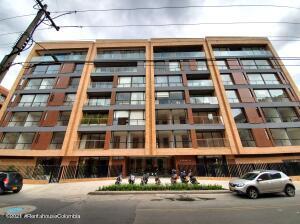 Apartamento En Ventaen Bogota, La Carolina, Colombia, CO RAH: 21-2098