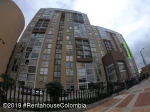 Apartamento En Ventaen Bogota, Aures Ii, Colombia, CO RAH: 22-5
