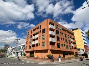 Apartamento En Ventaen Bogota, La Castellana, Colombia, CO RAH: 22-34