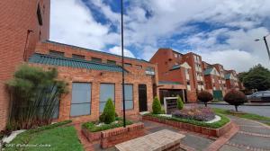 Apartamento En Ventaen Bogota, Colina Campestre, Colombia, CO RAH: 22-57