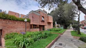 Casa En Ventaen Bogota, La Calleja, Colombia, CO RAH: 22-74