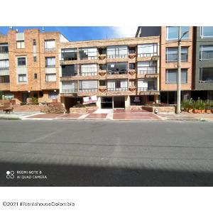 Apartamento En Arriendoen Bogota, Chico Navarra, Colombia, CO RAH: 22-88