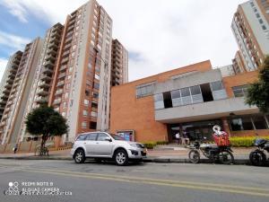 Apartamento En Ventaen Bogota, Portales Del Norte, Colombia, CO RAH: 22-90