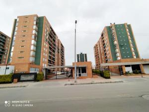 Apartamento En Ventaen Bogota, Gran Granada, Colombia, CO RAH: 22-93