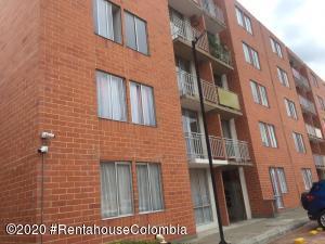 Apartamento En Ventaen Cajica, Capellania, Colombia, CO RAH: 22-136