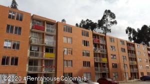 Apartamento En Ventaen Cajica, Capellania, Colombia, CO RAH: 22-137