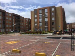 Apartamento En Ventaen Cajica, La Estacion, Colombia, CO RAH: 22-159
