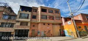 Apartamento En Ventaen Bogota, Tuna Alta, Colombia, CO RAH: 22-180