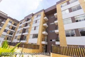 Apartamento En Ventaen Cajica, Sector El Bohio, Colombia, CO RAH: 22-186