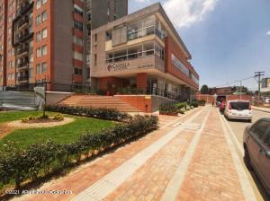Apartamento En Ventaen Bogota, Castilla, Colombia, CO RAH: 22-190