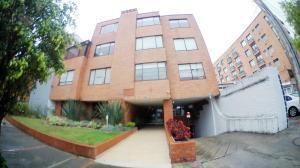 Apartamento En Ventaen Bogota, San Patricio, Colombia, CO RAH: 22-214