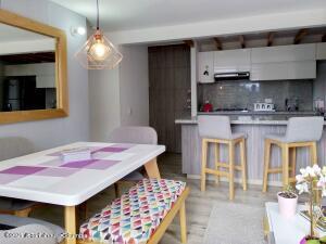 Apartamento En Ventaen Cajica, Rio Grande, Colombia, CO RAH: 22-242