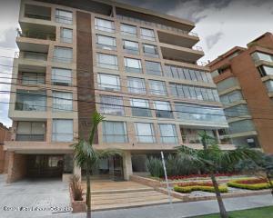 Apartamento En Arriendoen Bogota, La Carolina, Colombia, CO RAH: 22-263