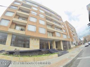 Apartamento En Arriendoen Bogota, Santa Ana Usaquen, Colombia, CO RAH: 22-267