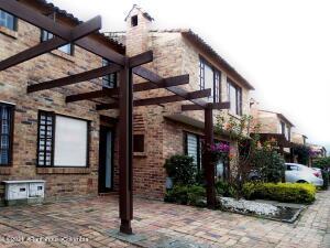 Casa En Ventaen Chia, Sabana Centro, Colombia, CO RAH: 22-284