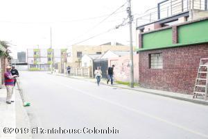 Casa En Ventaen Chia, 20 De Julio, Colombia, CO RAH: 22-289