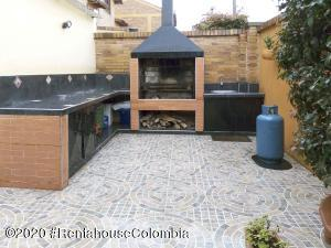Casa En Ventaen Chia, 20 De Julio, Colombia, CO RAH: 22-290