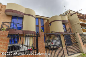 Casa En Ventaen Cajica, La Palma, Colombia, CO RAH: 22-303