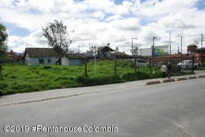 Terreno En Ventaen Chia, Sabana Centro, Colombia, CO RAH: 22-320