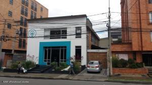 Local Comercial En Ventaen Bogota, Chico, Colombia, CO RAH: 22-337