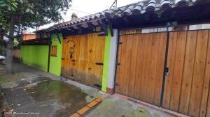 Casa En Ventaen Bogota, Cedritos, Colombia, CO RAH: 22-327