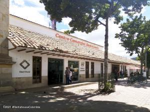 Local Comercial En Ventaen Chia, Sabana Centro, Colombia, CO RAH: 22-358