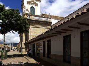 Local Comercial En Ventaen Chia, Sabana Centro, Colombia, CO RAH: 22-359