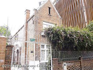 Casa En Ventaen Bogota, Quinta Camacho, Colombia, CO RAH: 22-361