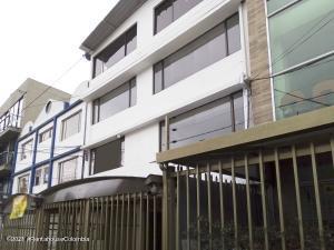 Edificio En Ventaen Bogota, Galerias, Colombia, CO RAH: 22-376