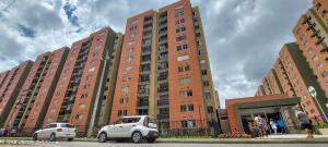 Apartamento En Ventaen Madrid, La Prosperidad, Colombia, CO RAH: 22-398