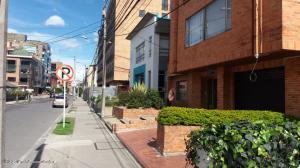 Local Comercial En Arriendoen Bogota, Chico, Colombia, CO RAH: 22-454