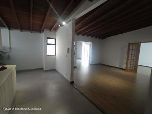 Apartamento En Ventaen Medellin, Laureles, Colombia, CO RAH: 22-507