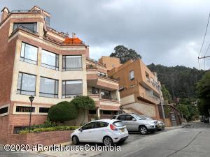 Apartamento En Arriendoen Bogota, Bosque De Pinos, Colombia, CO RAH: 22-527