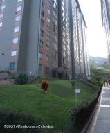Apartamento En Ventaen Bello, La Primavera, Colombia, CO RAH: 22-536