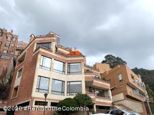 Apartamento En Ventaen Bogota, Bosque De Pinos, Colombia, CO RAH: 22-547