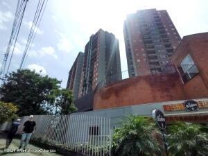 Apartamento En Ventaen Medellin, Rodeo Alto, Colombia, CO RAH: 22-550